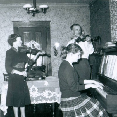 Edna-MacMillan_Sherrill-Trottier