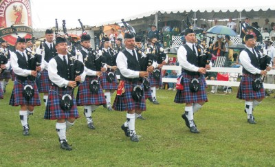 The Glengarry Pipe Band